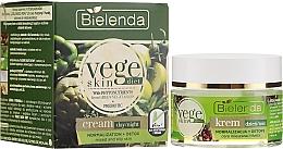 Parfüm, Parfüméria, kozmetikum Krém kombinált és zsíros bőrre - Bielenda Vege Skin Diet