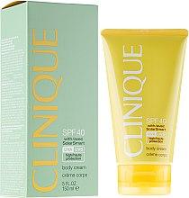 Parfüm, Parfüméria, kozmetikum Napvédő testkrém SPF40 - Clinique Body Cream