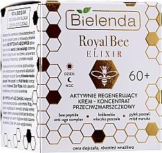 Parfüm, Parfüméria, kozmetikum Aktív regeneráló ránctalanító szérum - Bielenda Royal Bee Elixir Face Care