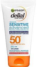 Parfüm, Parfüméria, kozmetikum Napvédő krém érzékeny bőrre, ránctalanító hatás - Garnier Delial Ambre Solaire Sensitive Advanced Anti-Aging Sunscreen SPF50