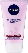 Parfüm, Parfüméria, kozmetikum Gyengéd mosakodó krém-gél érzékeny bőrre - Nivea Visage Cleansing Soft Cream Gel