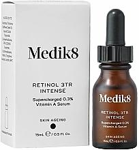 Parfüm, Parfüméria, kozmetikum Éjszakai szérum 0,3 % retinollal - Medik8 Retinol 3TR+ Intense