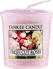 """Parfüm, Parfüméria, kozmetikum Illatosított gyertya """"Frissen vágott rózsa"""" - Yankee Candle Scented Votive Fresh Cut Roses"""