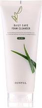 Parfüm, Parfüméria, kozmetikum Lágyító aloe tisztító hab - Eunyul Daily Care Aloe Foam Cleanser