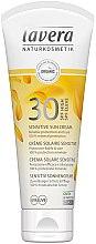 Parfüm, Parfüméria, kozmetikum Napvédő krém érzékeny bőrre - Lavera Sensitive Sun Cream SPF 30