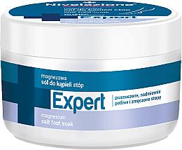Parfüm, Parfüméria, kozmetikum Lábfürdő sóval - Farmona Nivelazione Skin Therapy Expert Magnesium Salt Foot Soak