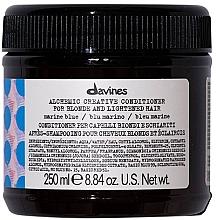 Parfüm, Parfüméria, kozmetikum Balzsam természetes és festett hajra (tengeri hullámok) - Davines Alchemic Conditioner Marine Blue